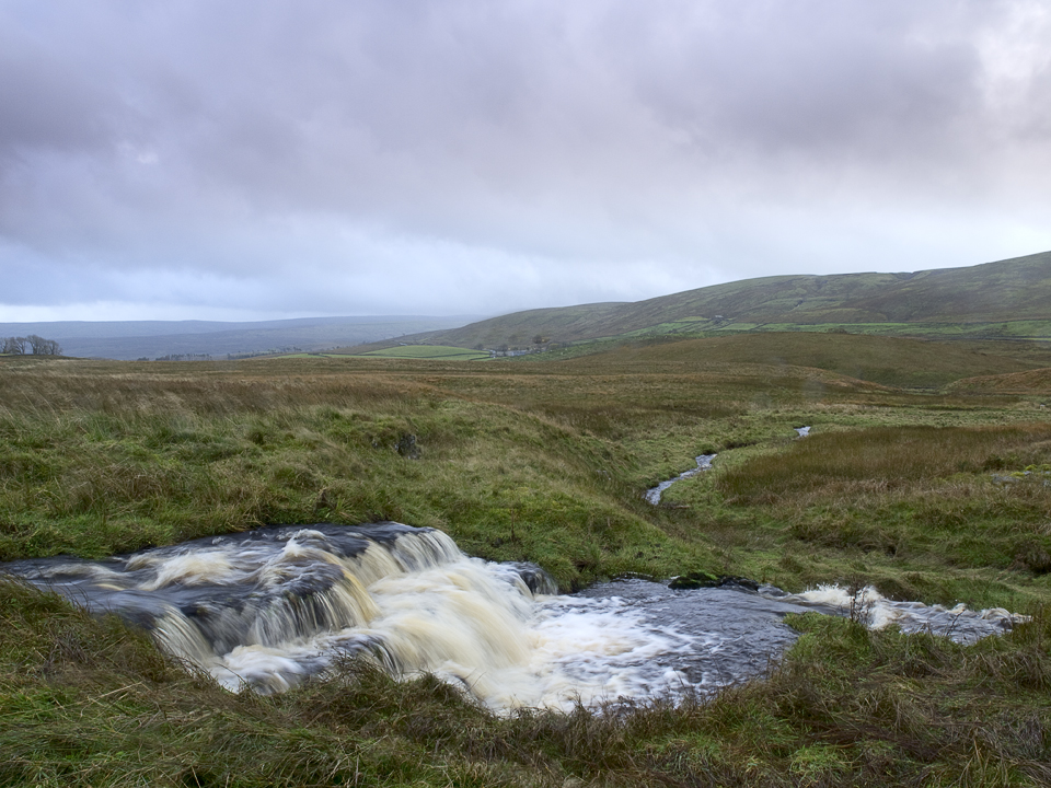 River Ure, Lunds Fell